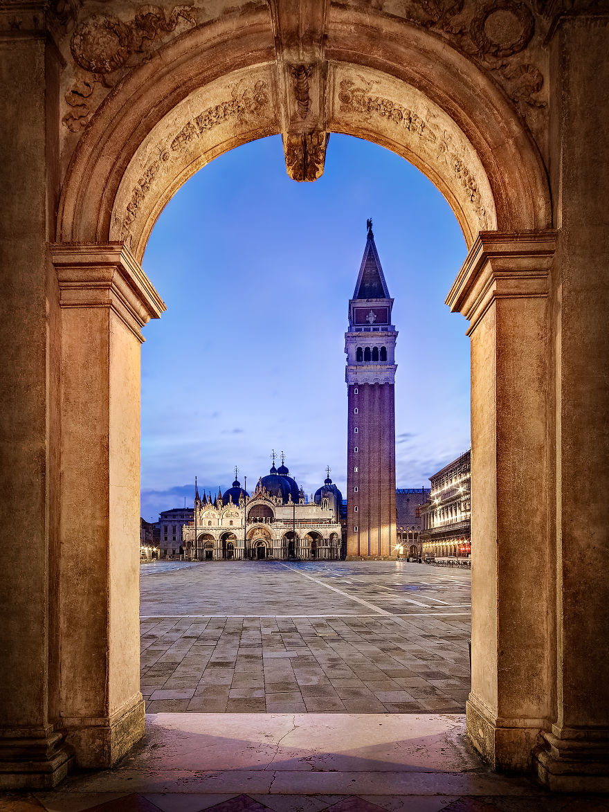 piazza-san-marco-archway-57dfc509d468c__880