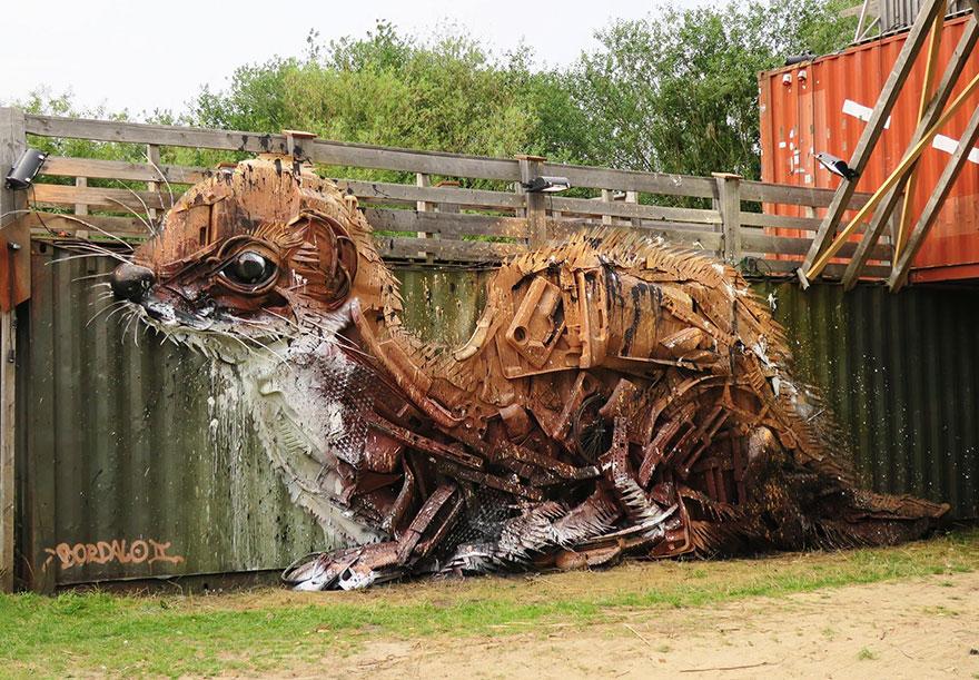 trash-animal-sculpture-artur-bordalo-13-57ea1bc1b6b57__880