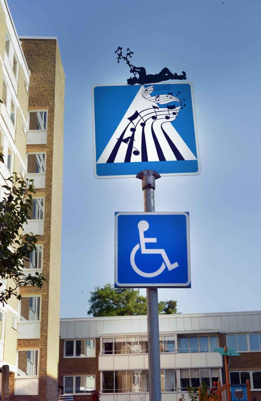 212005-street-art-by-etisk-vandalism-in-landskrona-sweden-2015-960-900-4a276a41f5-1476711721